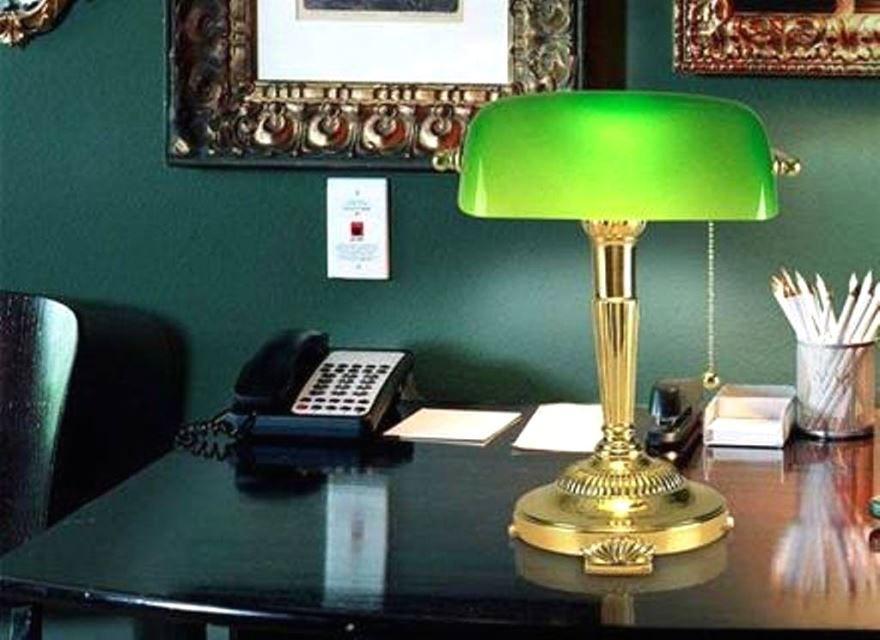 Идеи подарков другу - Настольная лампа