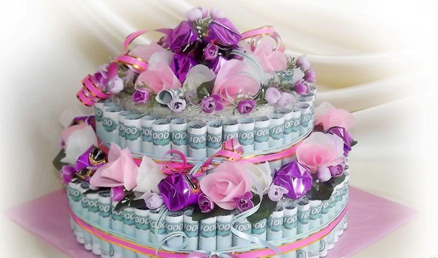 Идея подарка молодоженам на Свадьбу, торт из денег