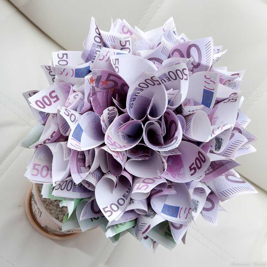 Красивый букет на Свадьбу молодоженам из денег