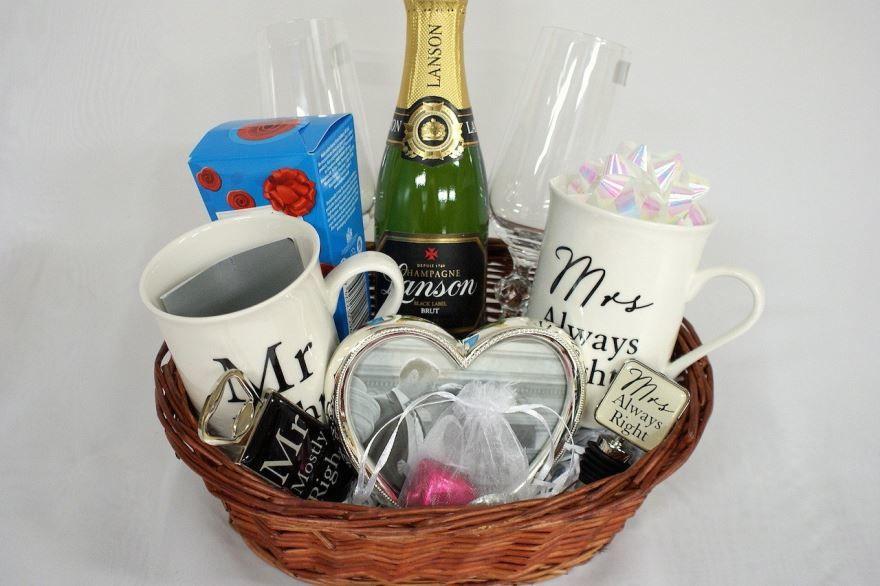 Что подарить мужу на Свадьбу?