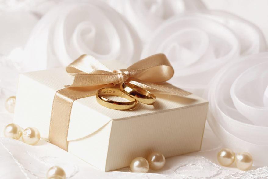 Что можно подарить молодоженам на Свадьбу?
