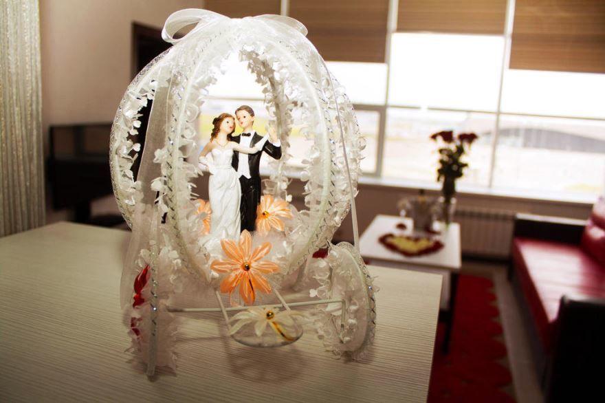 Прикольный, оригинальный подарок молодоженам на Свадьбу