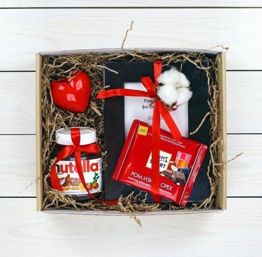 Идеи подарков для девушки на Новый год