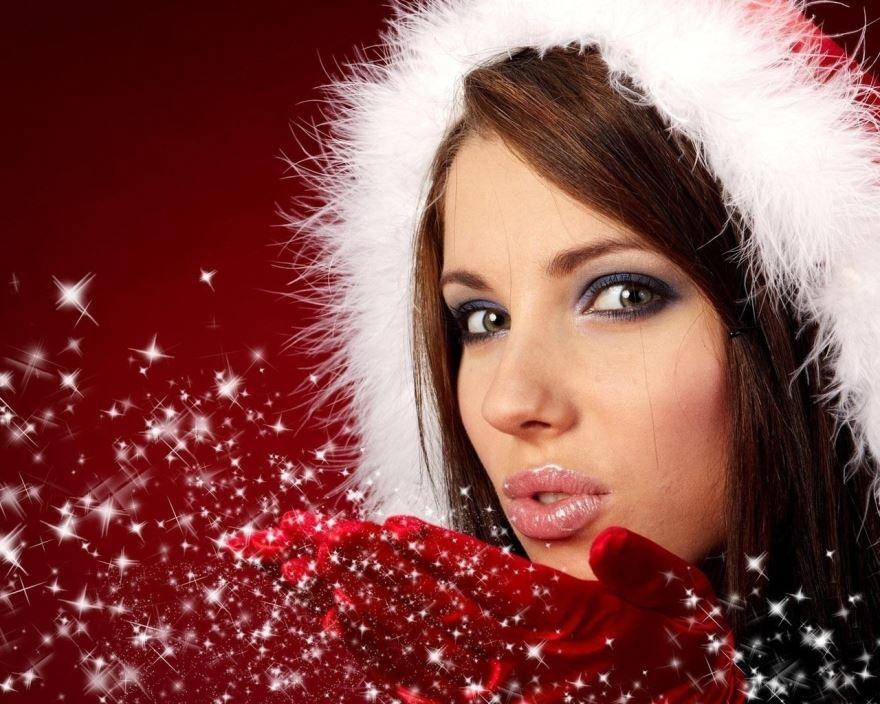 Красивые девушки, в Новогодних костюмах