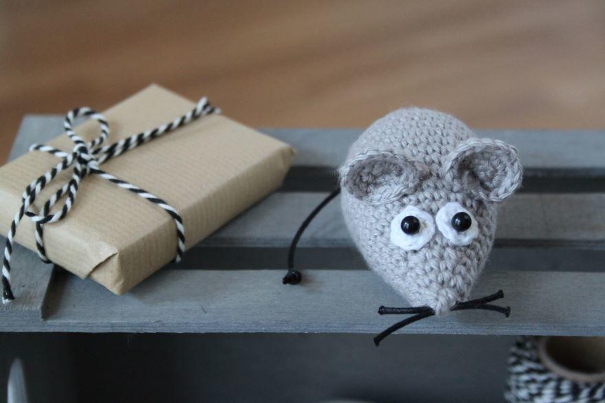 Вязанная мышка на Новый год, своими руками