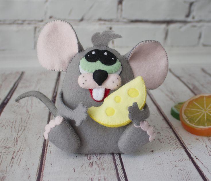 Красивый мышонок, поделка на Новый год