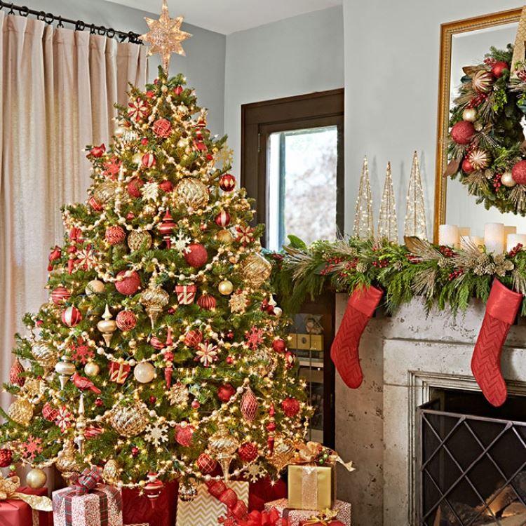 Как украсить елку на Новый год?