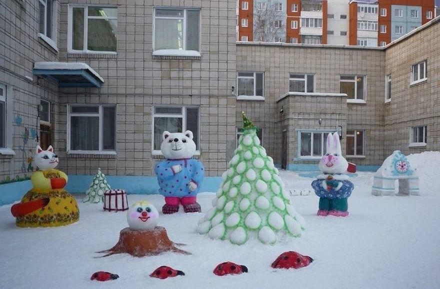 Украшение территории детского сада к Новому году