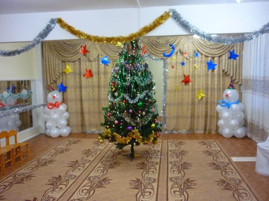 Идеи украшения зала в детском саду к Новому году