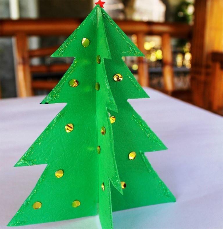 Детская поделка - Новогодняя елка