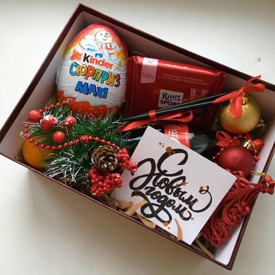 Недорогие подарки на Новый год девушке