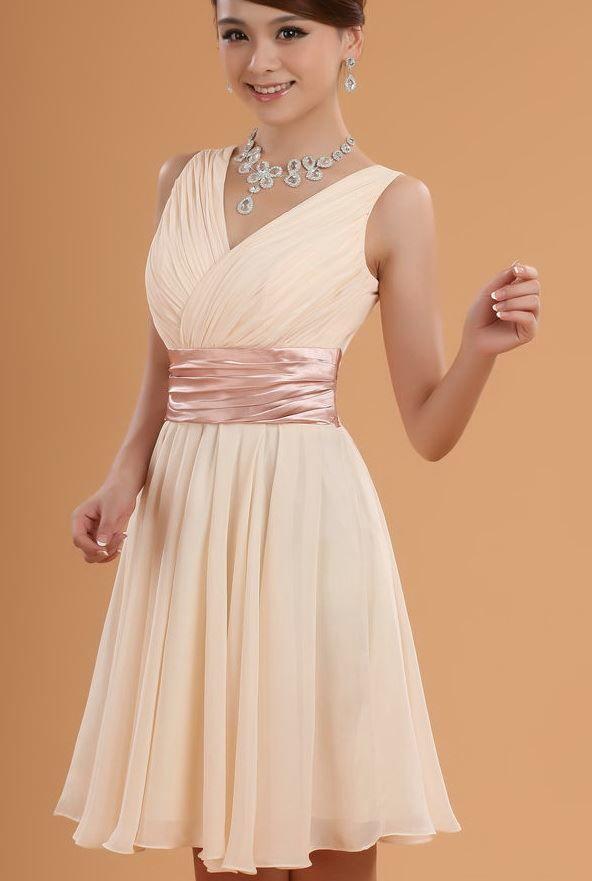 Красивое платье на выпускной для девушки 9 класса