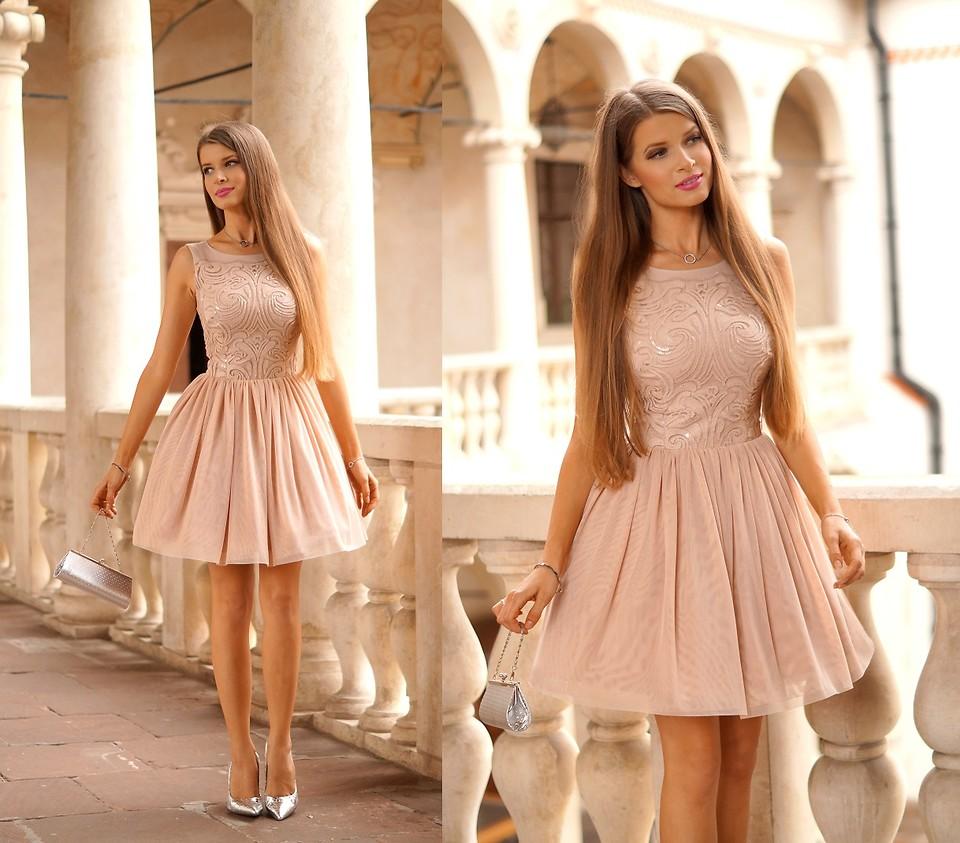Платья на выпускной 11 класс короткие