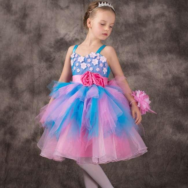 Модное платье на выпускной для девочки