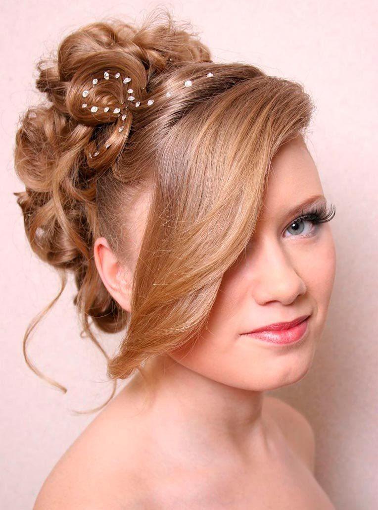 Оригинальная прическа на длинные волосы для девушки на выпускной 9 класс