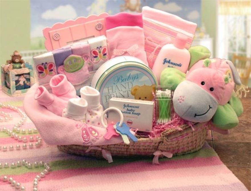 Что подарить на рождение ребенка девочки?