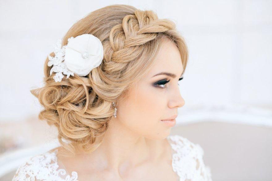 Прически на Свадьбу на средние волосы, фото