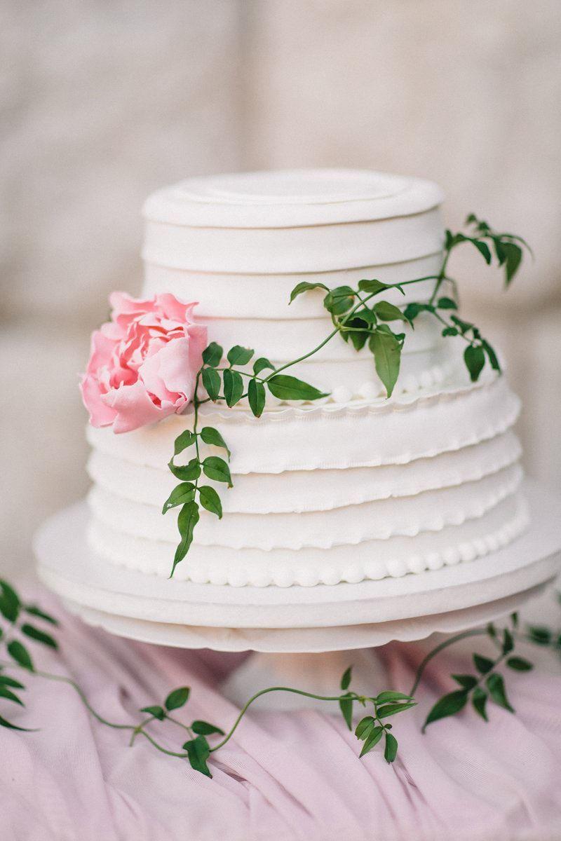 Двухъярусный торт на Свадьбу