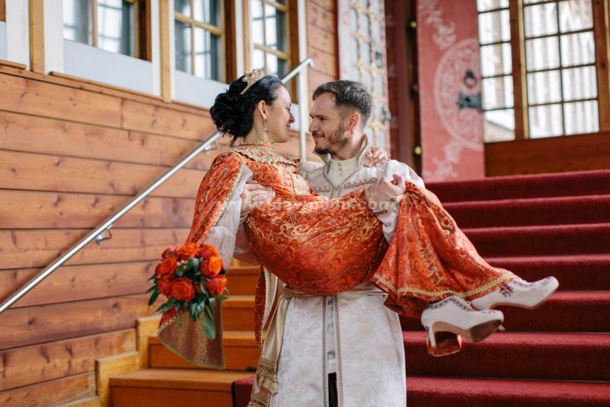 Прикольное фото русской Свадьбы