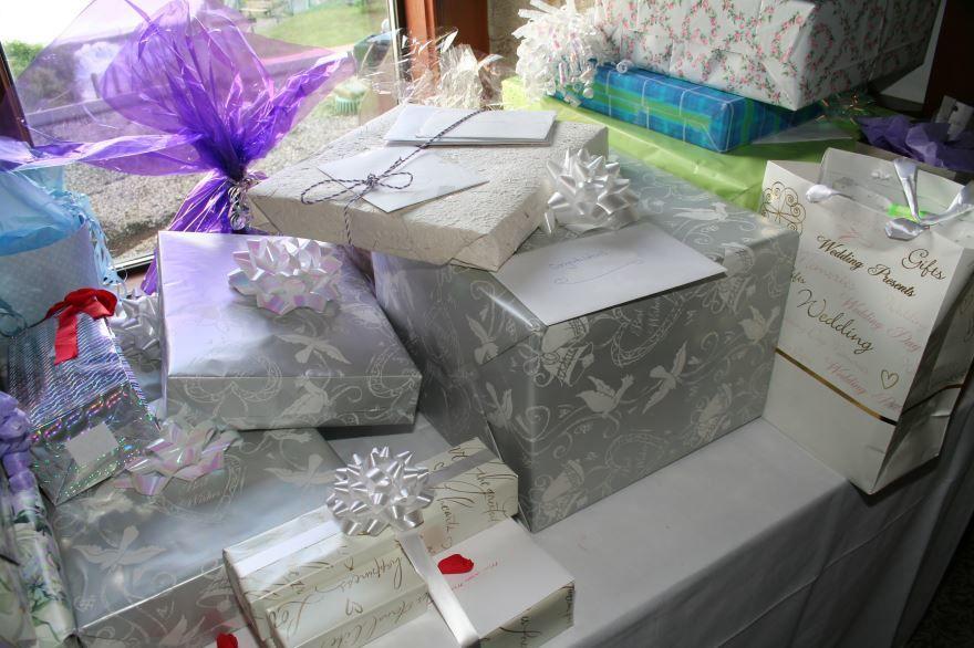 Что можно подарить на Свадьбу?