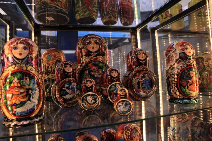 Что привезти Испанцам в подарок из России?