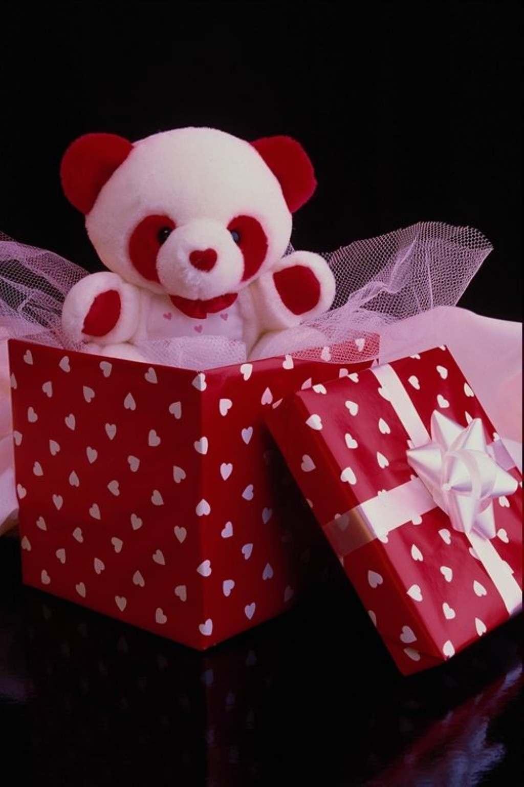 Какой подарок подарить на 17 лет?