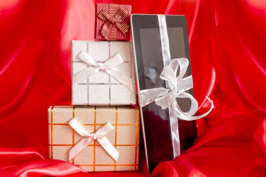 Идеи подарков на 18 лет