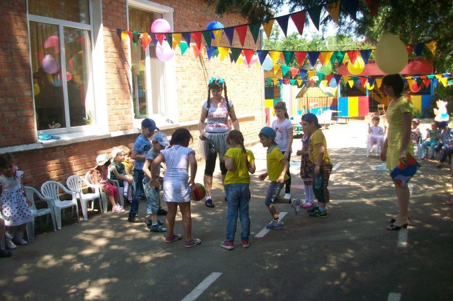 Танцы 1 июня в детском саду
