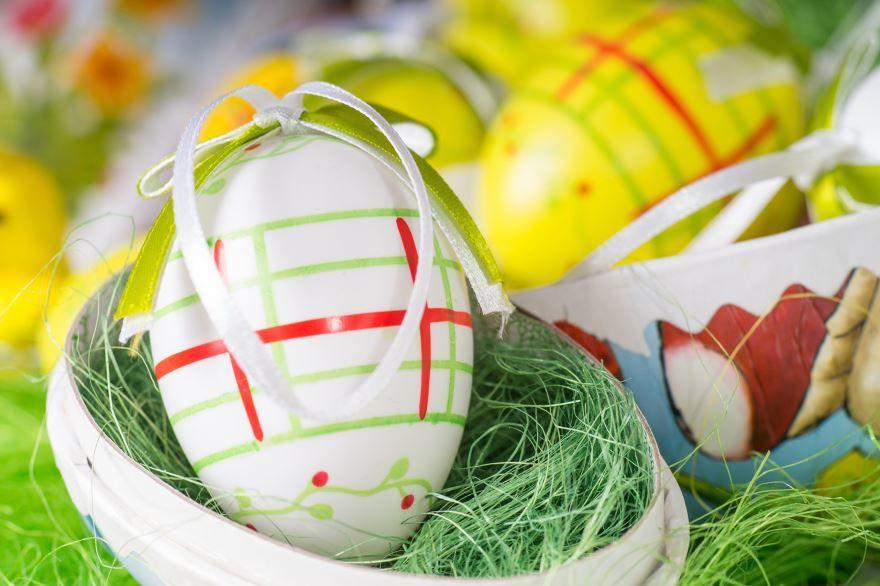 Домашние яйца на пасху