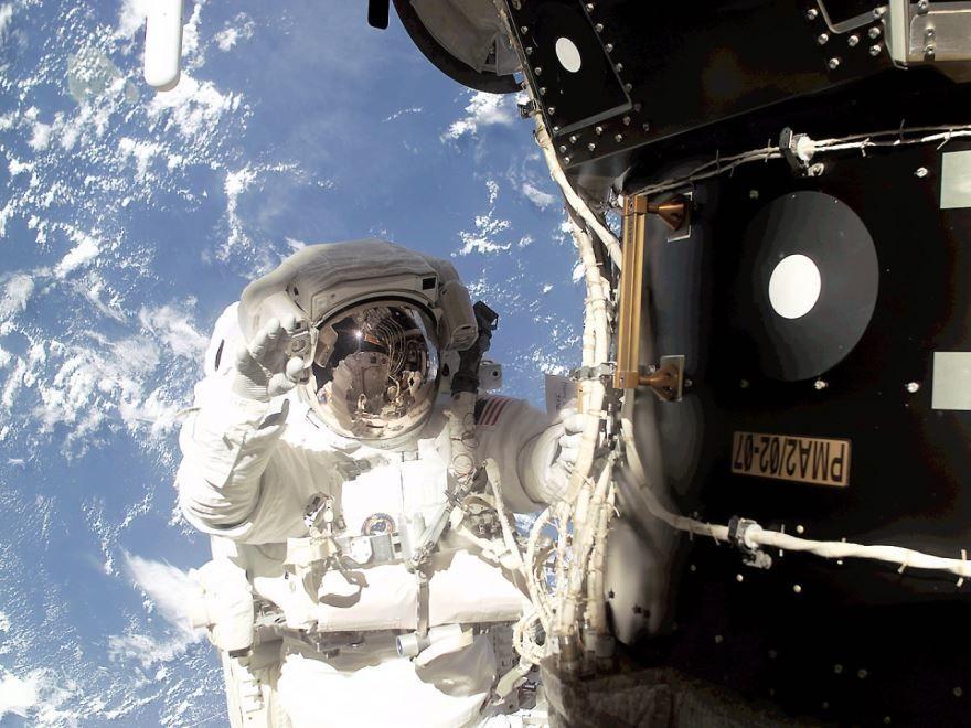 День космонавтики 2020 открытка