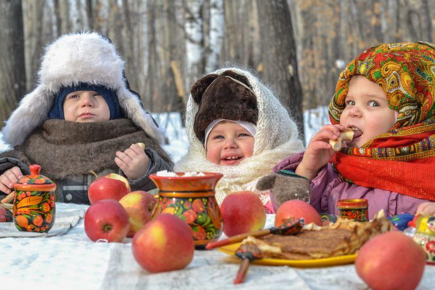 Празднование масленицы в России - для детей