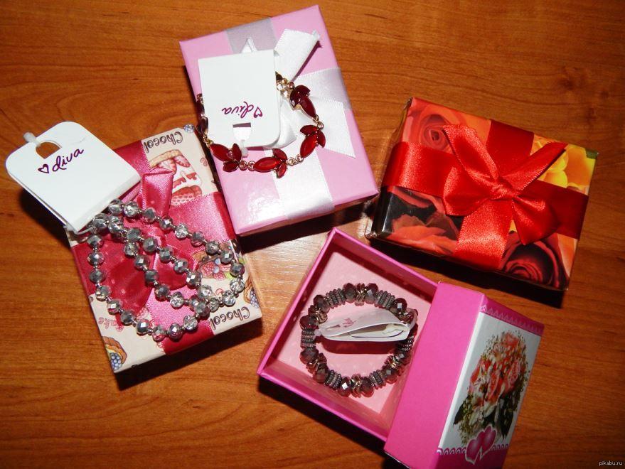 Идеи подарков на 8 Марта любимым