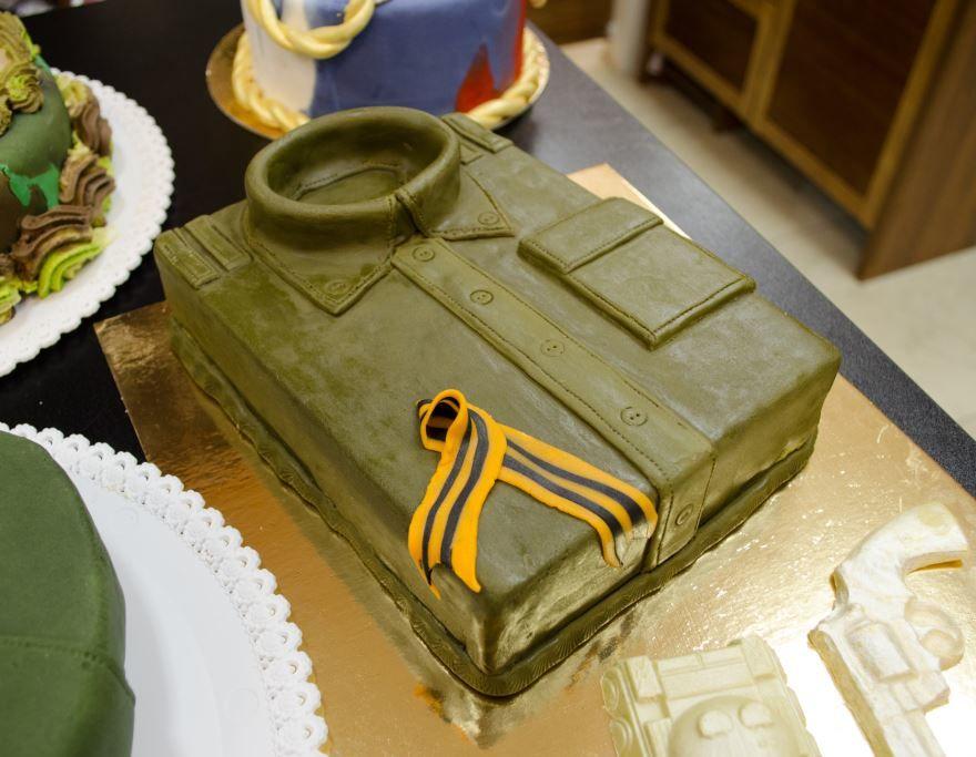 Фото тортов на 23 февраля