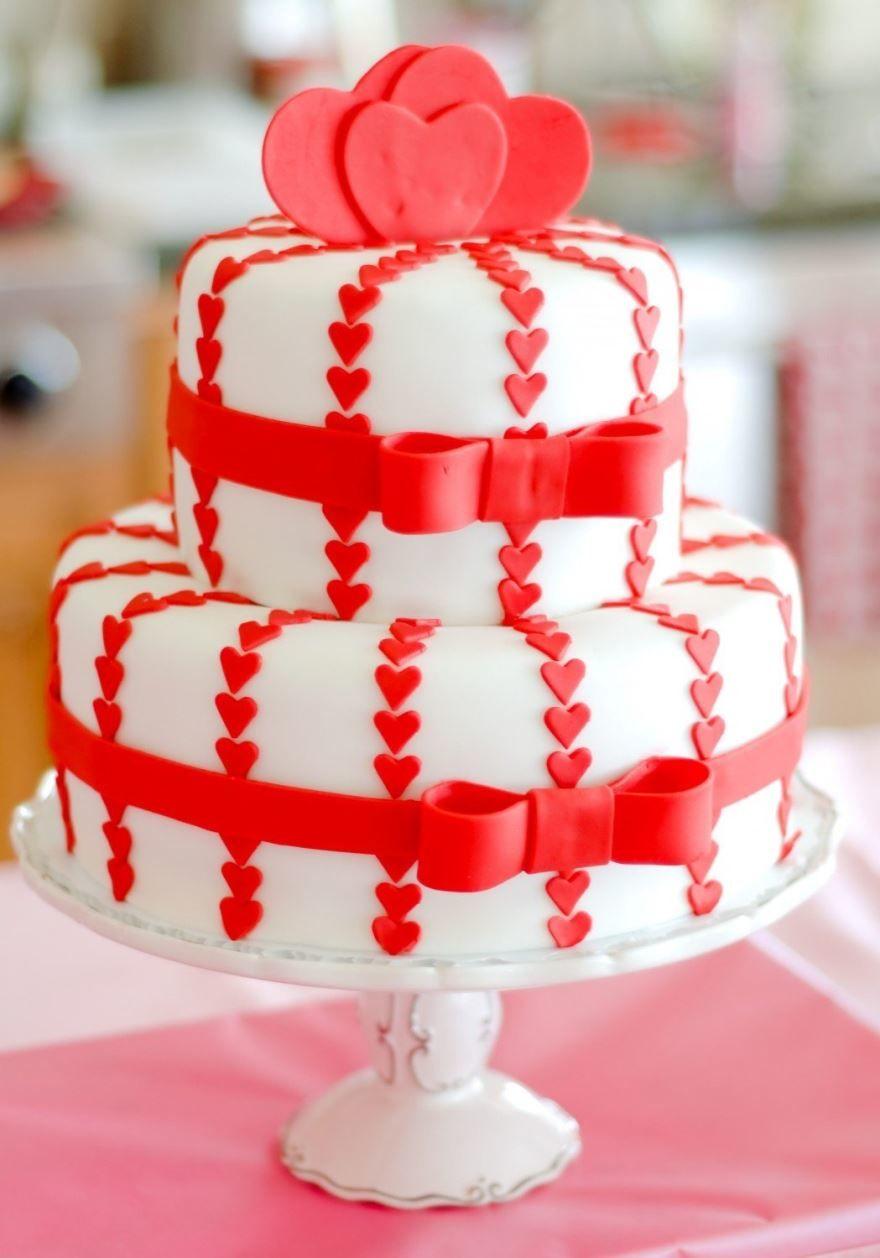 Красивый торт на день Святого Валентина, фото