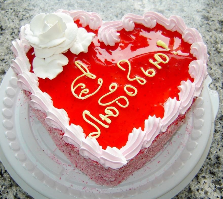 Чем украсить торт на день Святого Валентина?