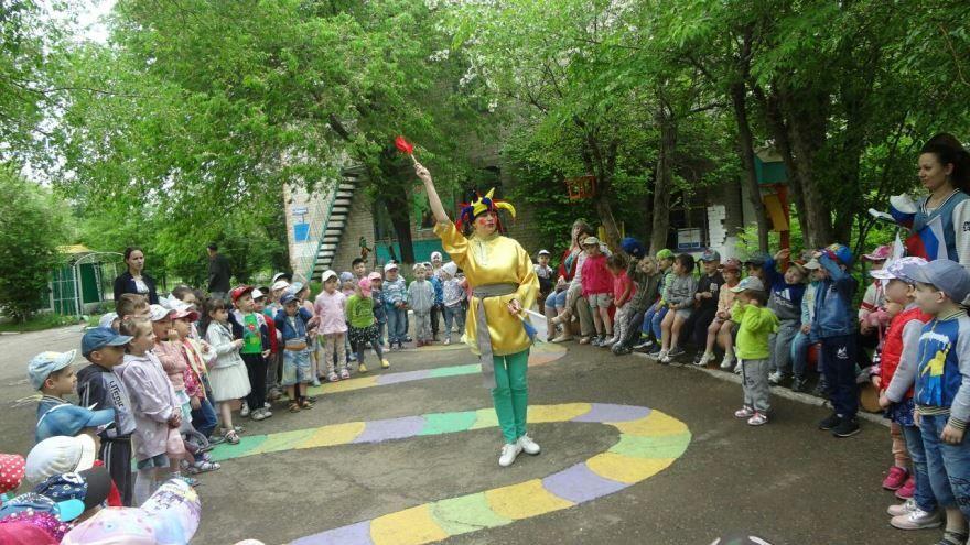 День России в детском саду на улице