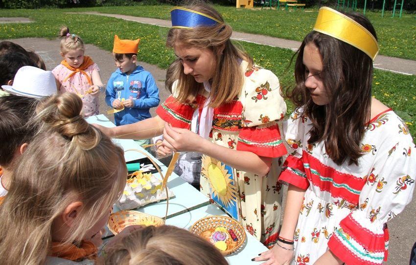 День России в летнем пришкольном лагере