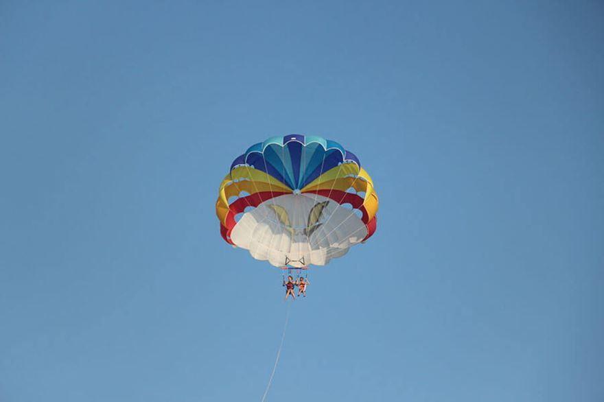 Оригинальный подарок мужу на день рождения от жены - Полет на парашюте