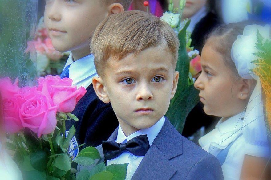 Мальчик 1 сентября фото букет подарок как одеть