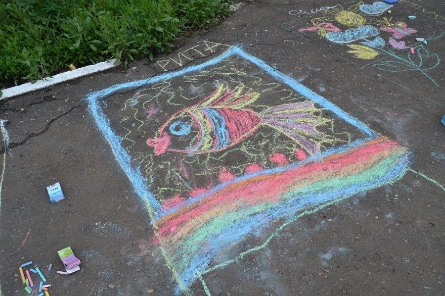 Рисунки 1 июня день защиты детей карандашом