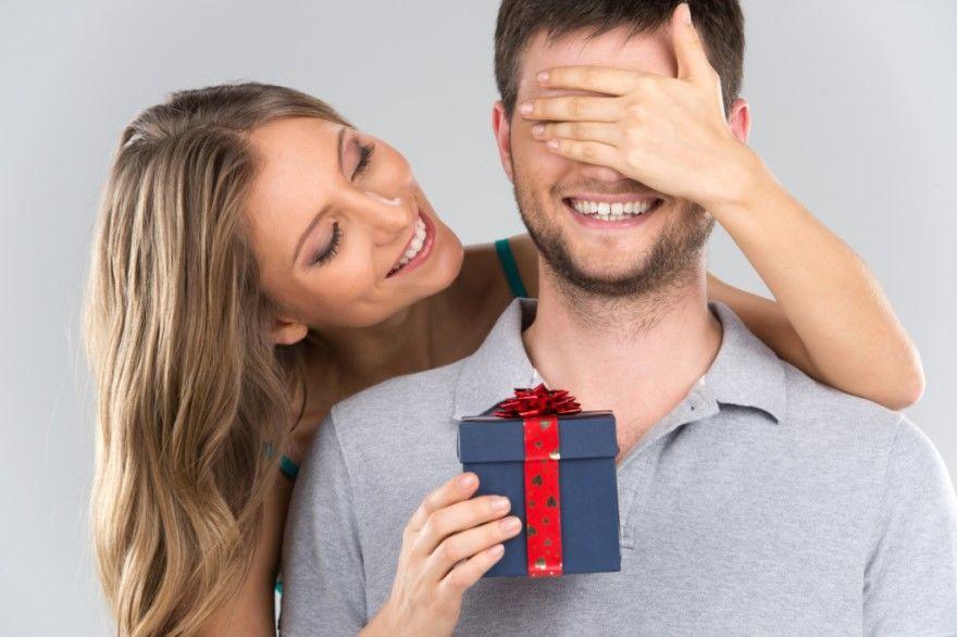 Подарки мужчине парню на 23 февраля идеи