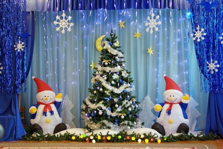 Украшение детского сада Новый год фасад участок