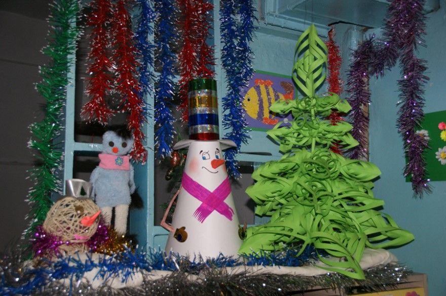 Украшение группы окон потолка детский сад Новому году